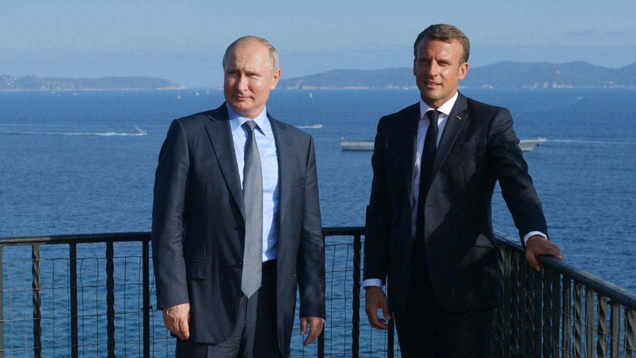 Emmanuel Macron et Vladimir Poutine au fort de Brégancon le 19août 2019.