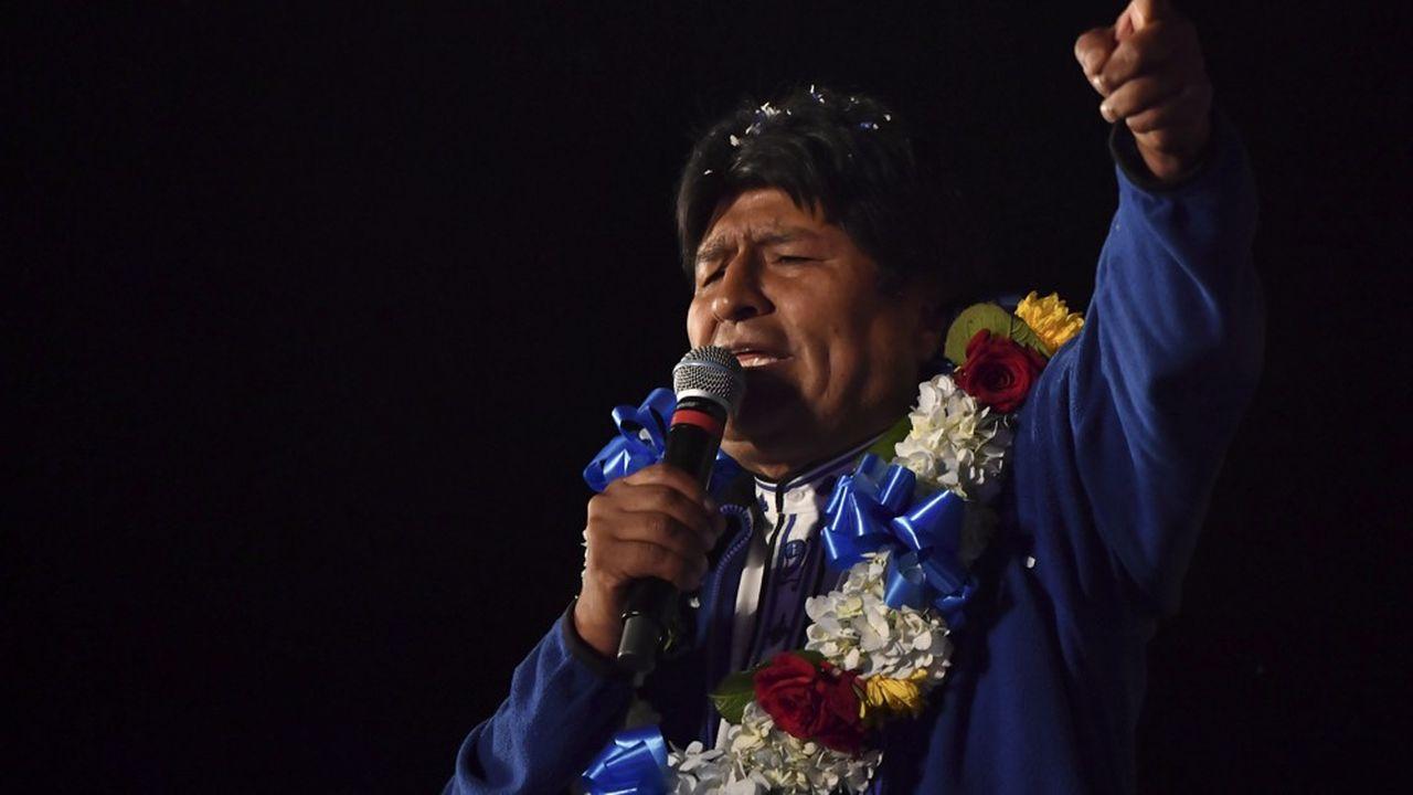 Selon les derniers résultats communiqués par le Tribunal suprême électoral bolivien Evo Morales arrive en tête, avec 46,87% des voix, soit un écart de 10,14 points de pourcentage.