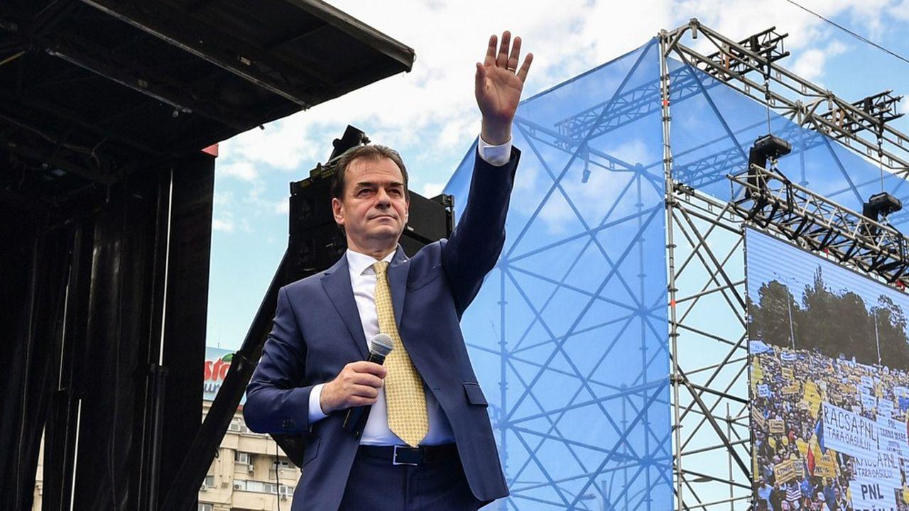 Ludovic Orban, a été nommé le 15octobre Premier ministre par le président de la République, Klaus Iohannis, après la démission de la social-démocrate Viorica Dancila. Issu comme ce dernier du parti libéral, Orban va tenter de se bâtir une majorité au Parlement.