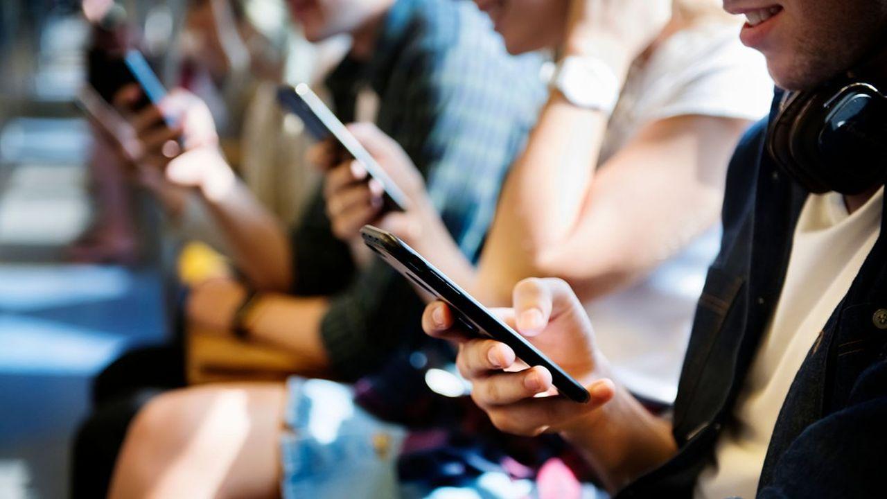 La génération Z, ce sont les contemporains de Skype (2003), Airbnb (2008), Instagram (2010) ou Deliveroo (2013), et ce sont surtout les premiers « digital natives », nés avec le digital.