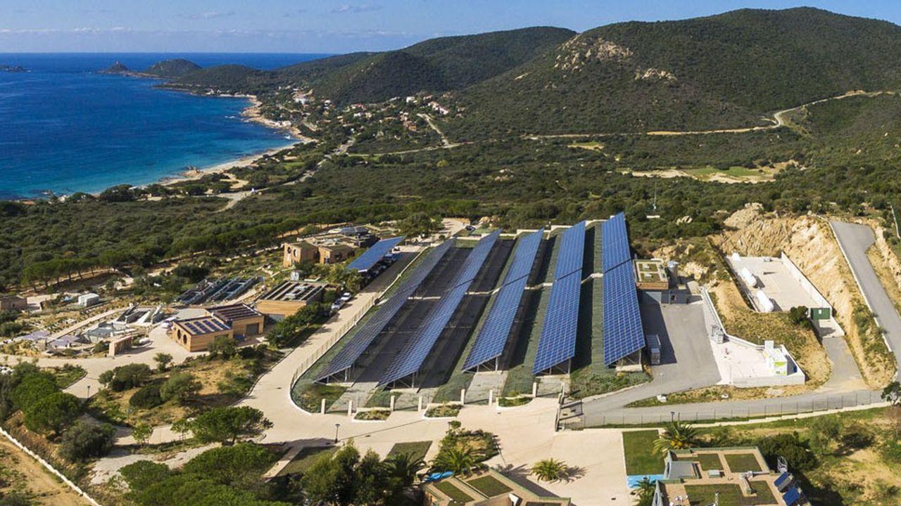 Depuis 2012, la plate-forme expérimentale Myrte teste le stockage de l'énergie photovoltaïque sous forme d'hydrogène.