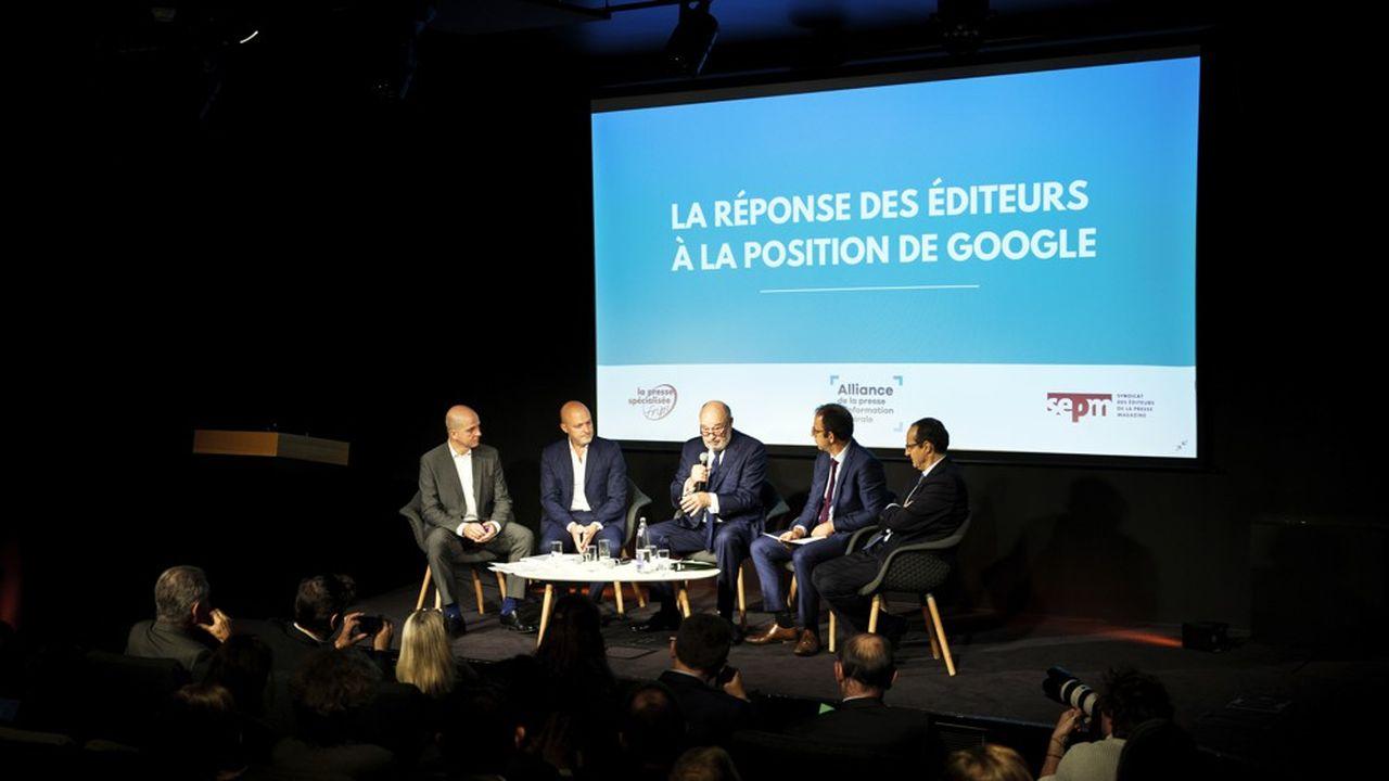 De gauche à droite, Laurent Berard-Quelin, président de la FNPS, Pierre Louette, PDG du groupe Les Echos-Le Parisien, Jean-Michel Baylet, président de l'APIG, et François Claverie, président du SEPM.