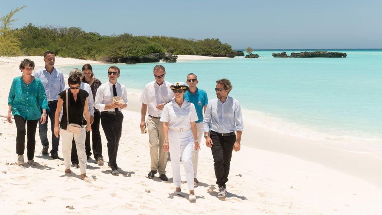 Emmanuel Macron, en visite express aux îles Eparses mercredi, a annoncé, sur l'île de Grande Glorieuse, haut lieu de biodiversité, que cette dernière serait classée en 2020 en réserve naturelle nationale.