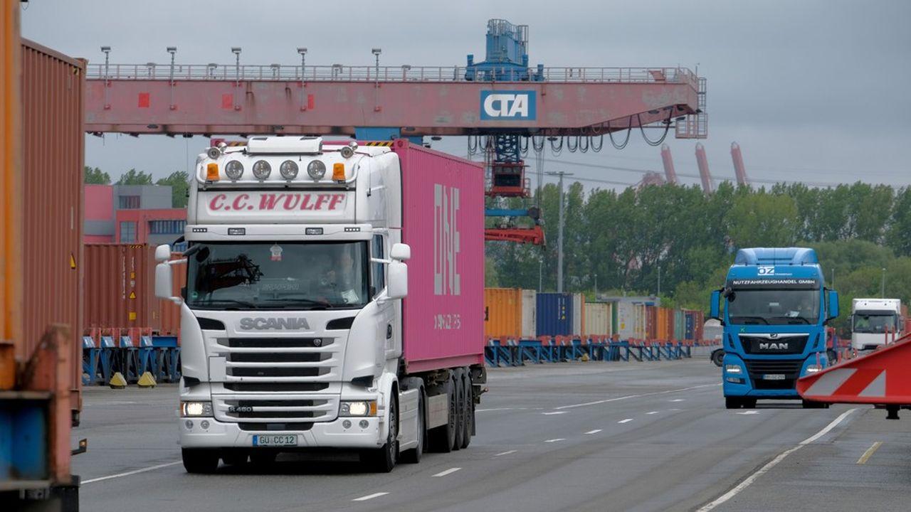 Le tribunal régional de Munich a ouvert jeudi le procès contre MAN, Daimler, DAF, Iveco et Volvo/Renault intenté par «Financialright» au nom des acheteurs de poids lourds.