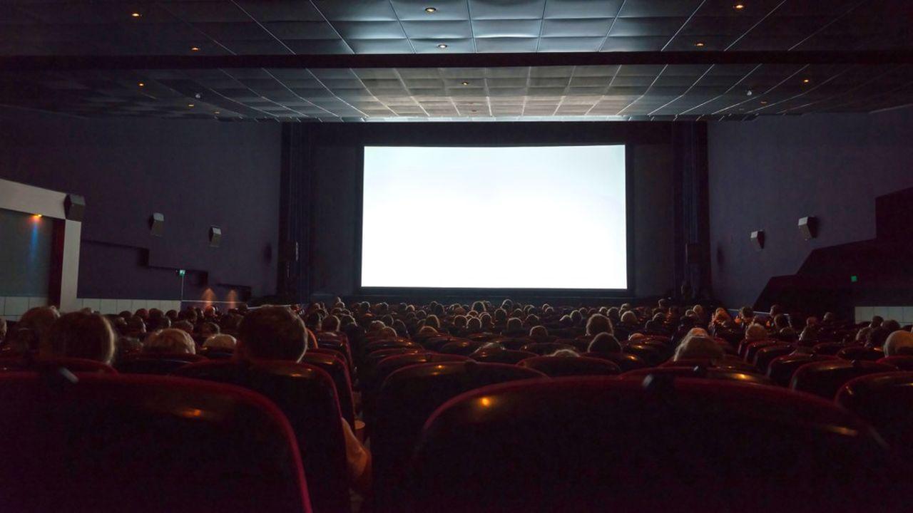 Les particuliers qui investissent dans les Sofica, sociétés destinés au financement de la production cinématographique et audiovisuelle ont droit à une réduction d'impôt.