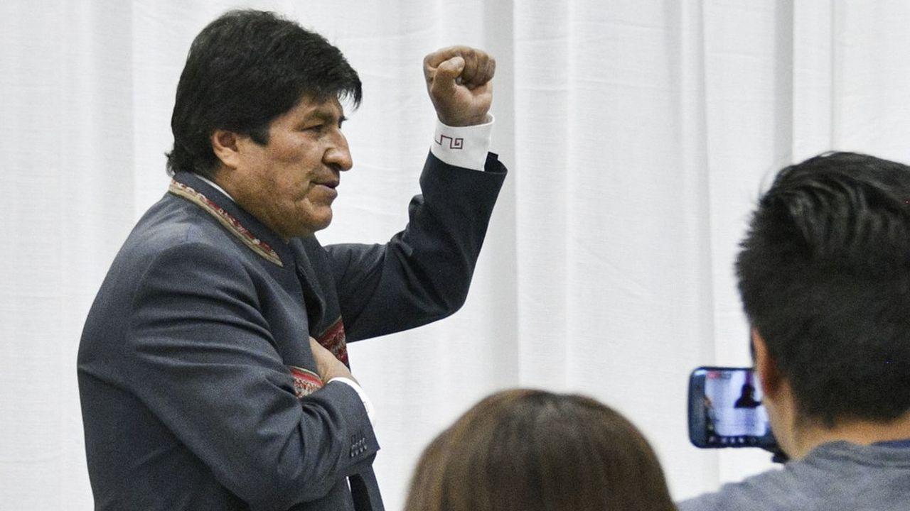 Après dépouillement de 99,99% des bulletins de vote, le Tribunal supérieur électoral a indiqué que Evo Morales était réélu avec 47,07% des voix.
