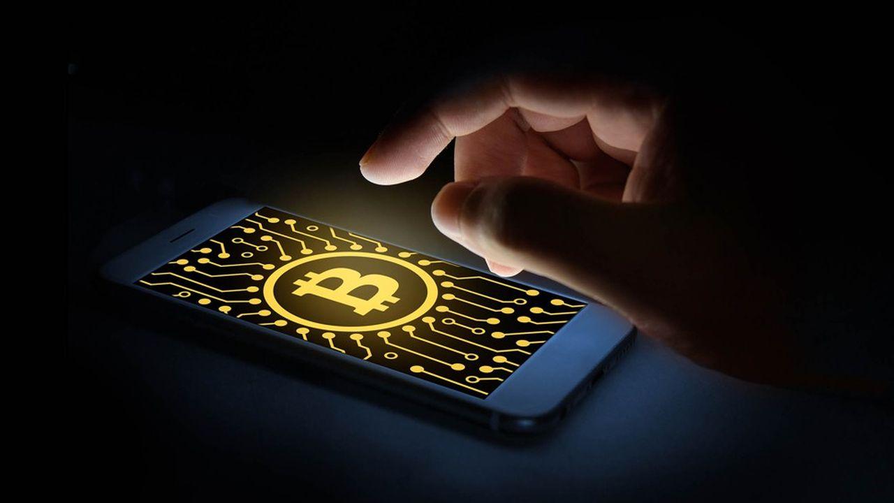 Le bitcoin a bondi de 42% samedi, et s'établissait lundi autour de 9.400dollars.