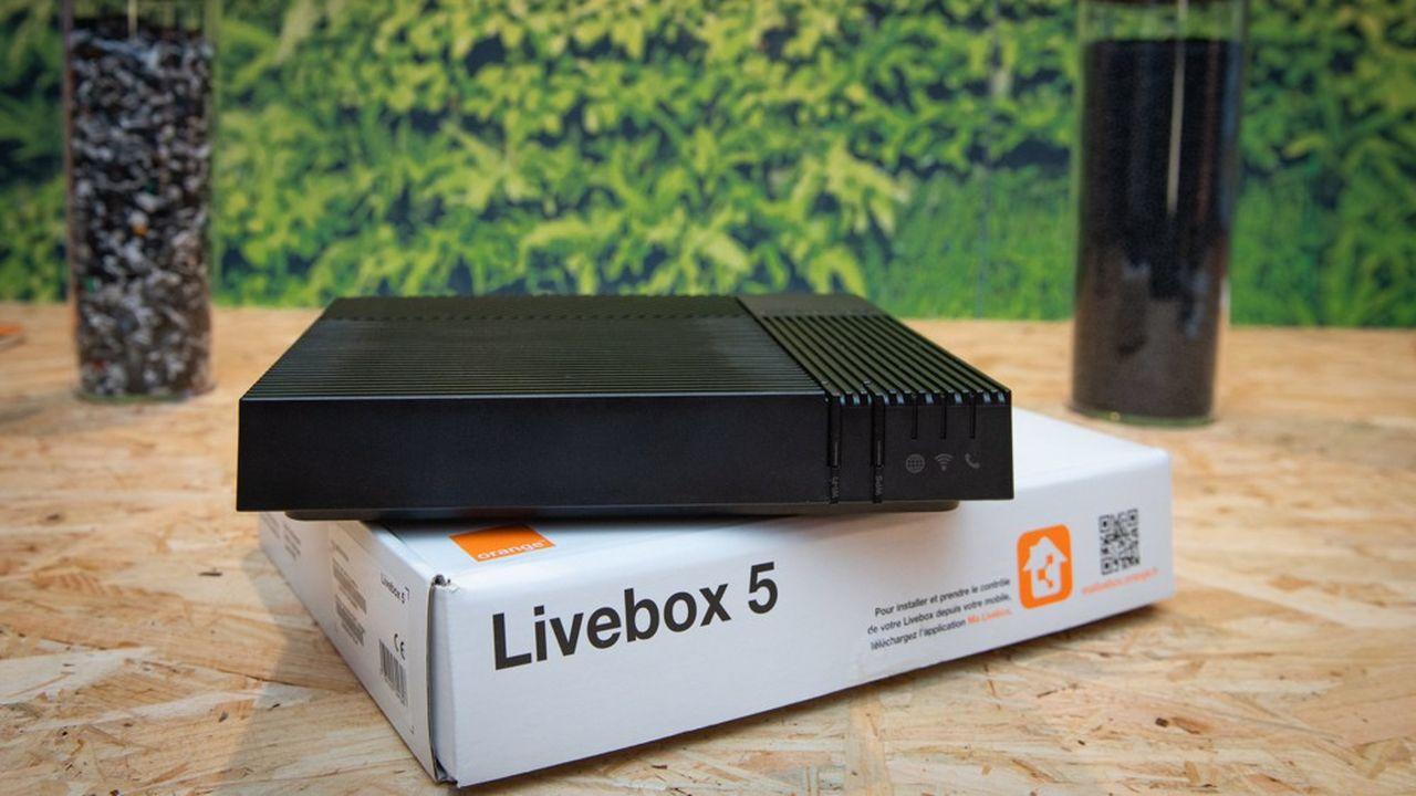 Orange a présenté début octobre sa nouvelle box. La Livebox5, en plastique recyclé, consomme 17% moins d'électricité que la précédente.