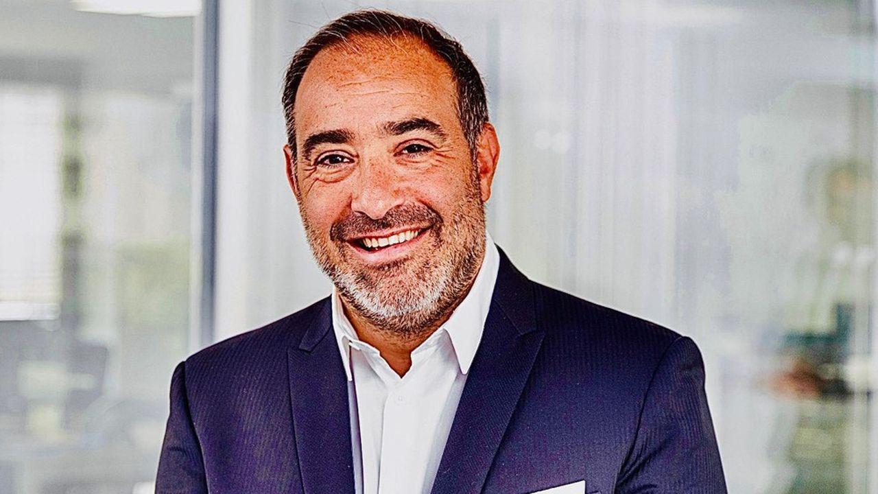 Olivier Farouz signe pour le compte de Groupe Premium l'acquisition de Flornoy & associés, un gestionnaire d'actifs avec plus de 700 millions d'euros sous gestion.