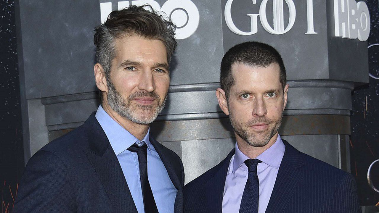 Les producteurs David Benioff et D. B.Weiss. lors de la première projection de la saison finale de Game of Thrones auRadio City Music Hall de New York en mai2019.