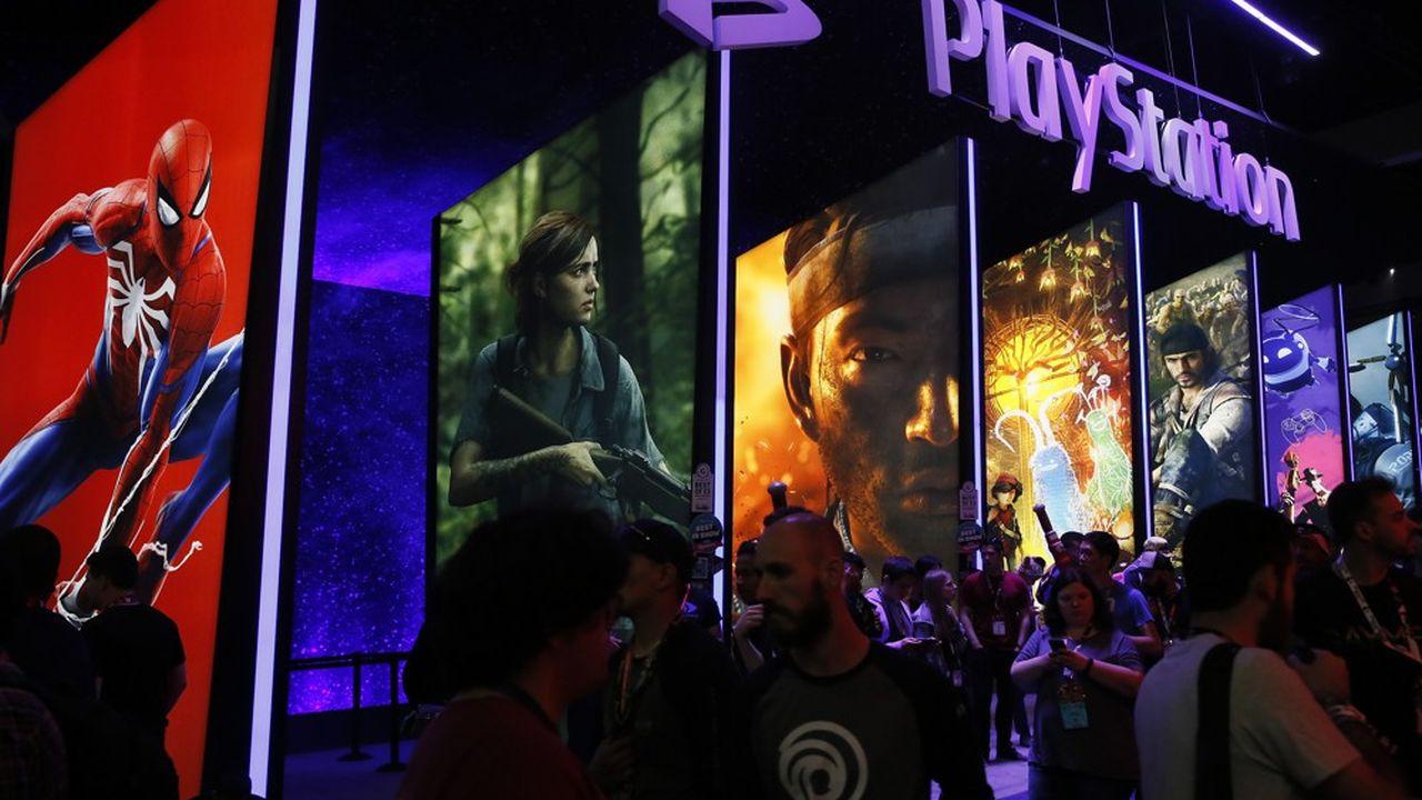 Plusieurs analystes soulignent que Play Station Vue n'a jamais dépassé le million d'abonnés ni dégagé