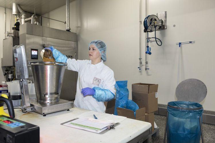 The Vegetarian Butcher, qui produit vingt tonnes de viande par jour, a été racheté fin 2018 par le géant néerlandais Unilever.