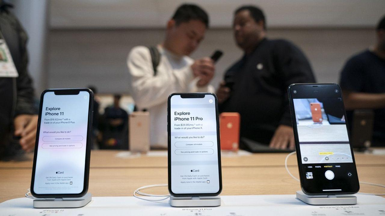 Sur l'ensemble de l'exercice annuel fiscal 2019 décalé d'Apple, les revenus des iPhone ont baissé de 13%, tirant à la baisse le chiffre d'affaires total de l'entreprise, en recul de 2% sur un an, à 260milliards de dollars.