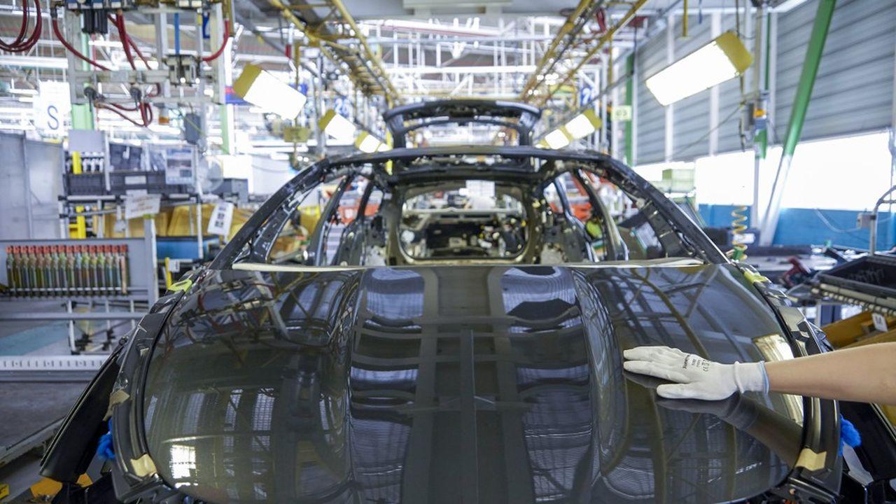 Chaîne d'assemblage de l'usine historique de PSA à Sochaux