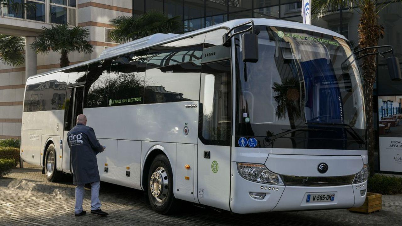 L'Autocar chinois Yutong ICe 12 distribué par le distributeur alsacien.