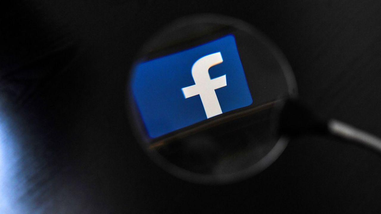 Facebook est critiqué depuis plusieurs semaines par les démocrates aux Etats-Unis en raison de sa politique de diffusion des publicités politiques