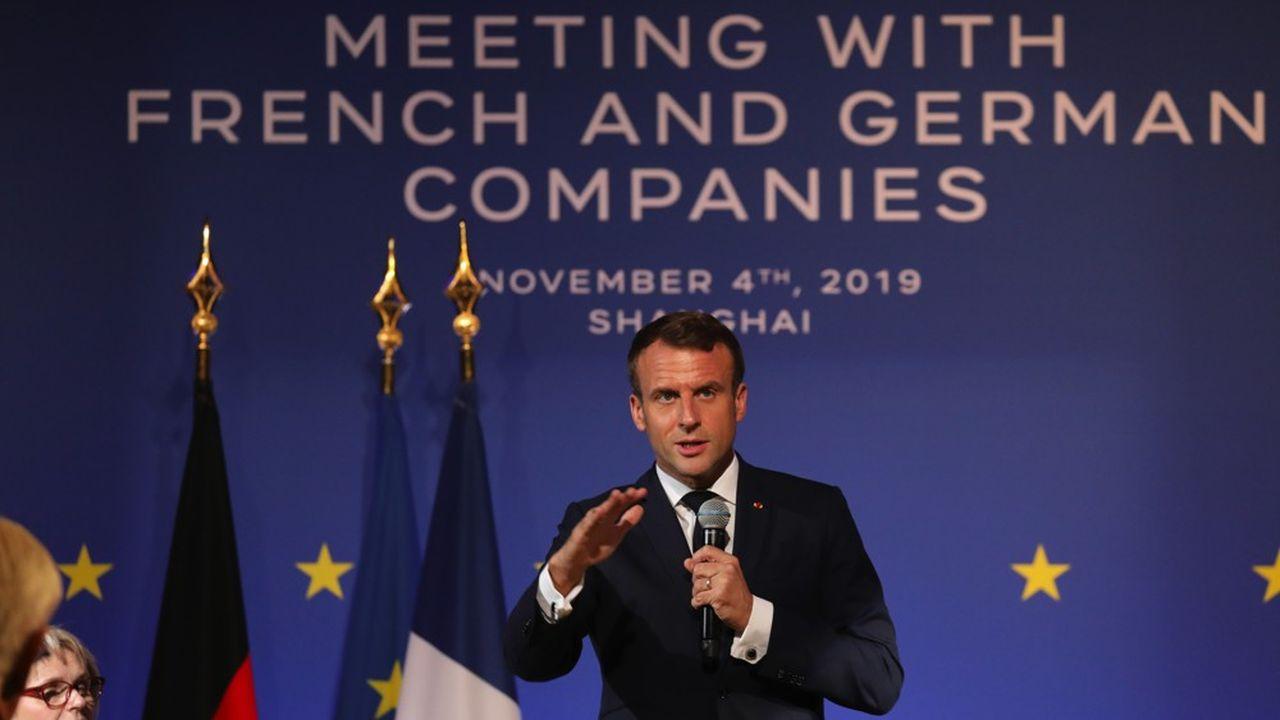 Le Président Emmanuel Macron s'adresse aux hommes d'affaires allemands et français avant la «China International Import Expo» à Shanghai le 4novembre 2019.