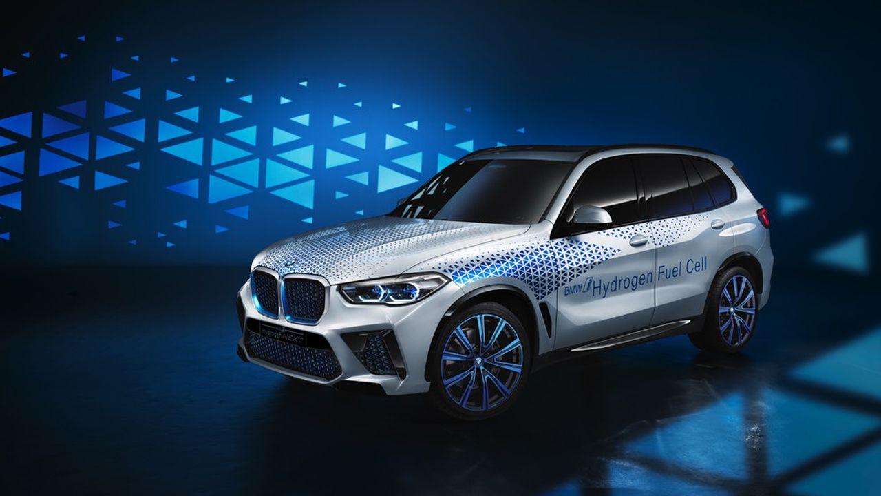 Au salon de Francfort en septembre dernier, BMW a annoncé une flotte expérimentale de voitures à hydrogène sur les routes en 2022.