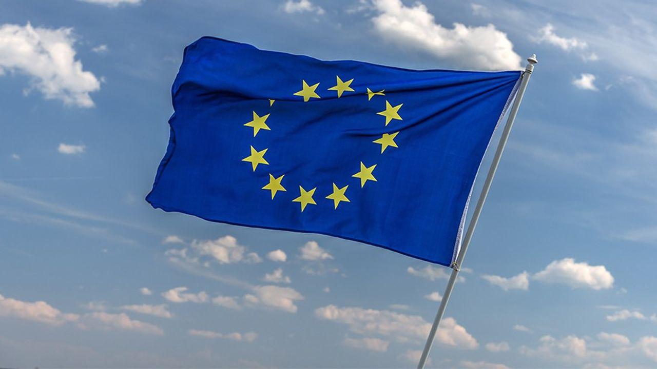 Au niveau européen existe un outil destiné à faciliter le recrutement d'une main-d'oeuvre étrangère qualifiée non européenne: la «Blue Card»