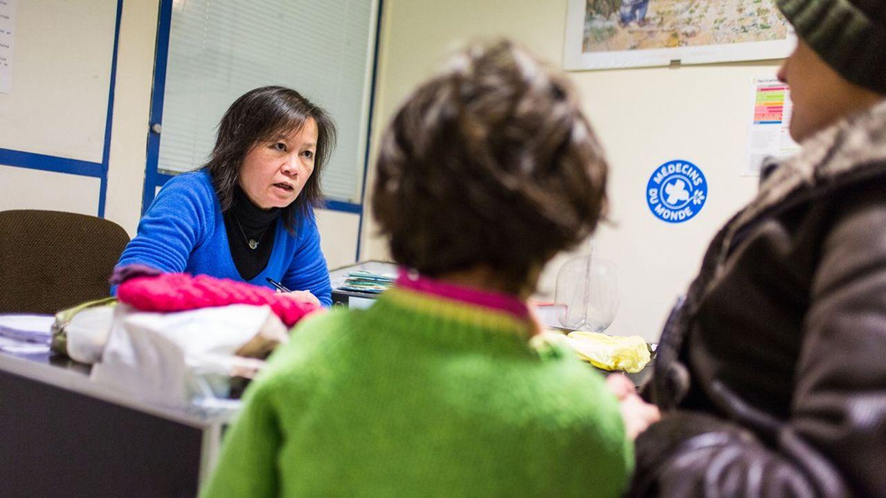 Dans les centres d'accueil, de soins et d'orientation de Médecins du Monde, on recense un taux de non-recours à l'Aide médicale d'Etat de 85% chez les étrangers sans-papiers.