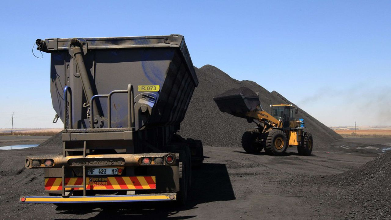 Le transport de charbon, comme son extraction, ne pourrait définitivement plus bénéficier des aides à l'export de la France au terme du projet de loi de finances pour 2020.