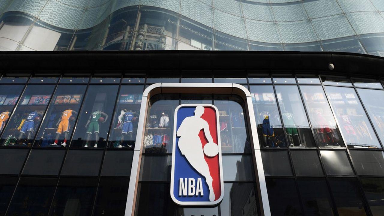 Le service est accessible via le site de la NBA, pour un visionnage sur navigateur, mais aussi sur le mobile, ou via des applications sur Roku ou l'Apple TV.