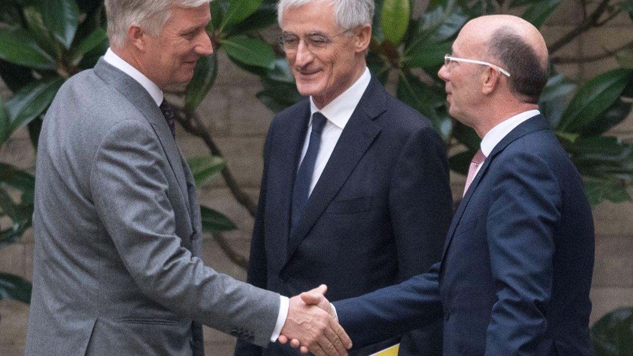 Lundi soir, les négociateurs du PS, premier parti de Wallonie, et de la N-VA (droite dure), leader en Flandre, ont annoncé au roi Philippe de Belgique qu'ils renonçaient à tenter de former un gouvernement fédéral de coalition.