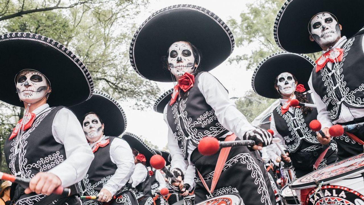 Défilé du jour des morts à Mexico.