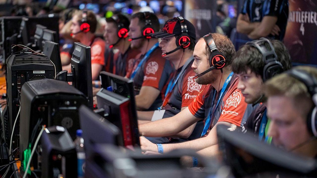L'e-sport devrait générer 1,1milliard de dollars de revenus cette année, selon le cabinet d'études de marché Newzoo. Une niche par rapport au marché du jeu vidéo dans son ensemble, mais une croissance trois fois plus forte.