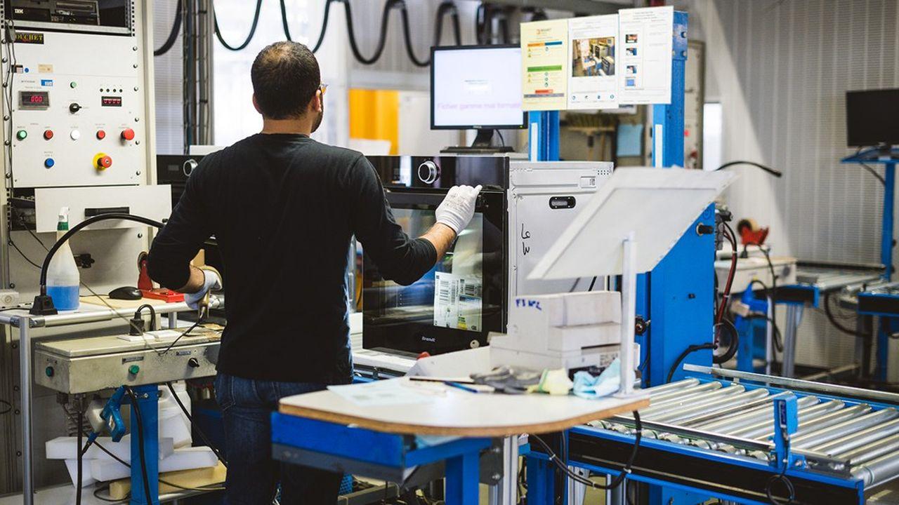 Brandt a deux usines en France, à Orléans et Vendôme, spécialisées dans la cuisson, quifabriquent sous les marques Brandt, mais aussi Sautter et De Dietrich