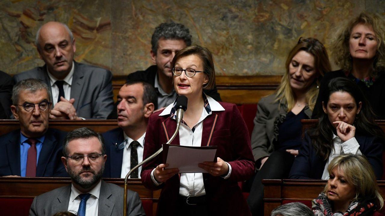 La rapporteure spéciale de la mission Solidarités à l'Assemblée nationale, la députée Stella Dupont, souhaite adapter le RSA ou la prime d'activité pour les revenus légèrement inférieurs au SMIC.