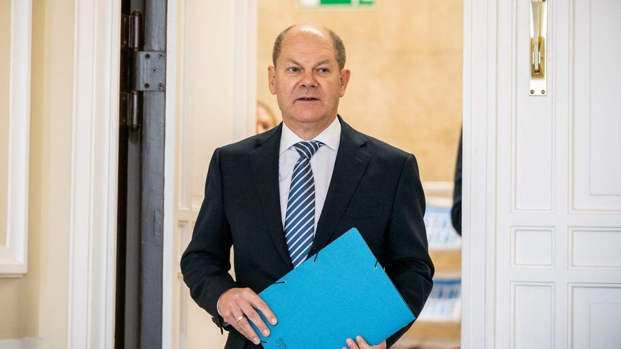 Olaf Scholz, le ministre des Finances allemand avance un compromis pour créer un système européen de réassurance bancaire.