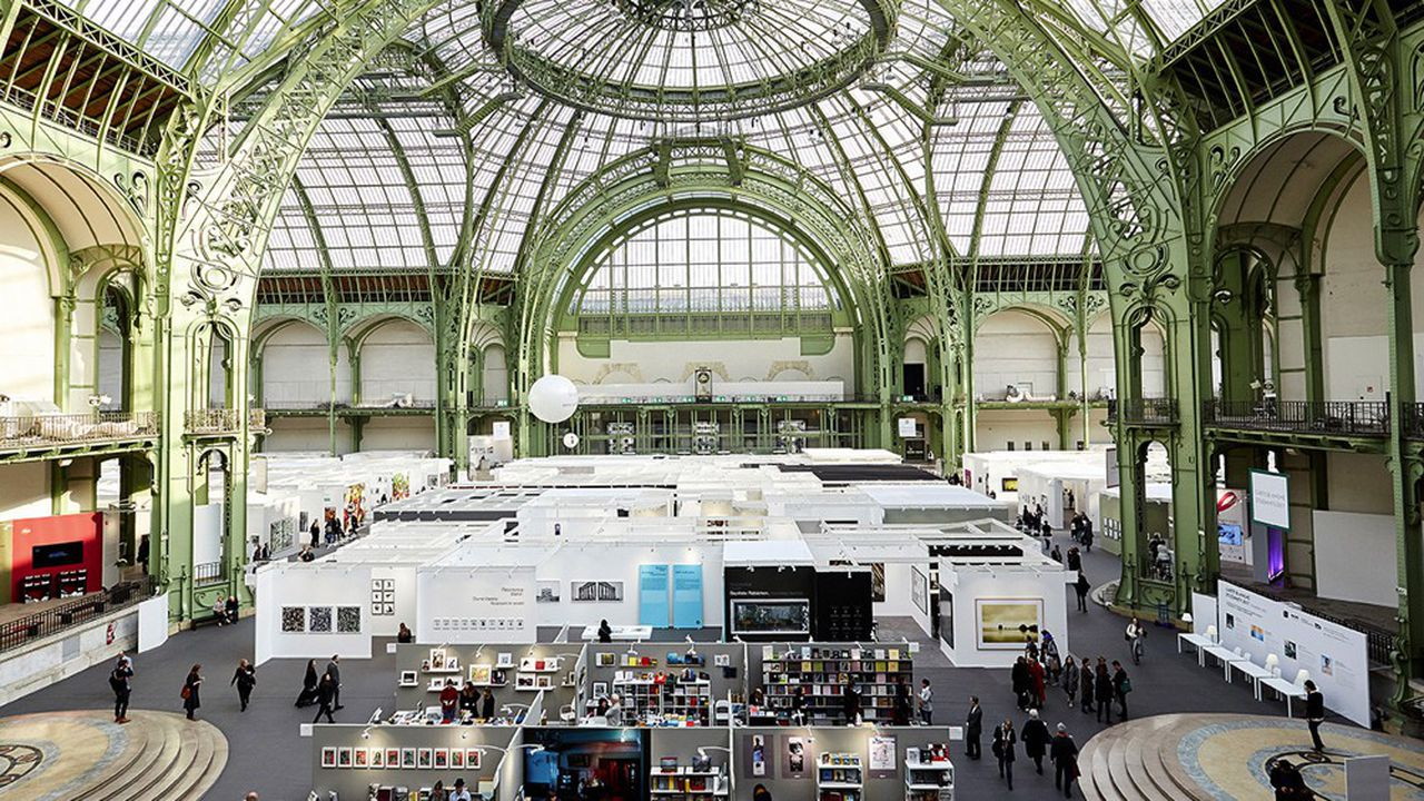 Paris Photo au Grand Palais attire quelque 69.000 visiteurs en 4 jours.