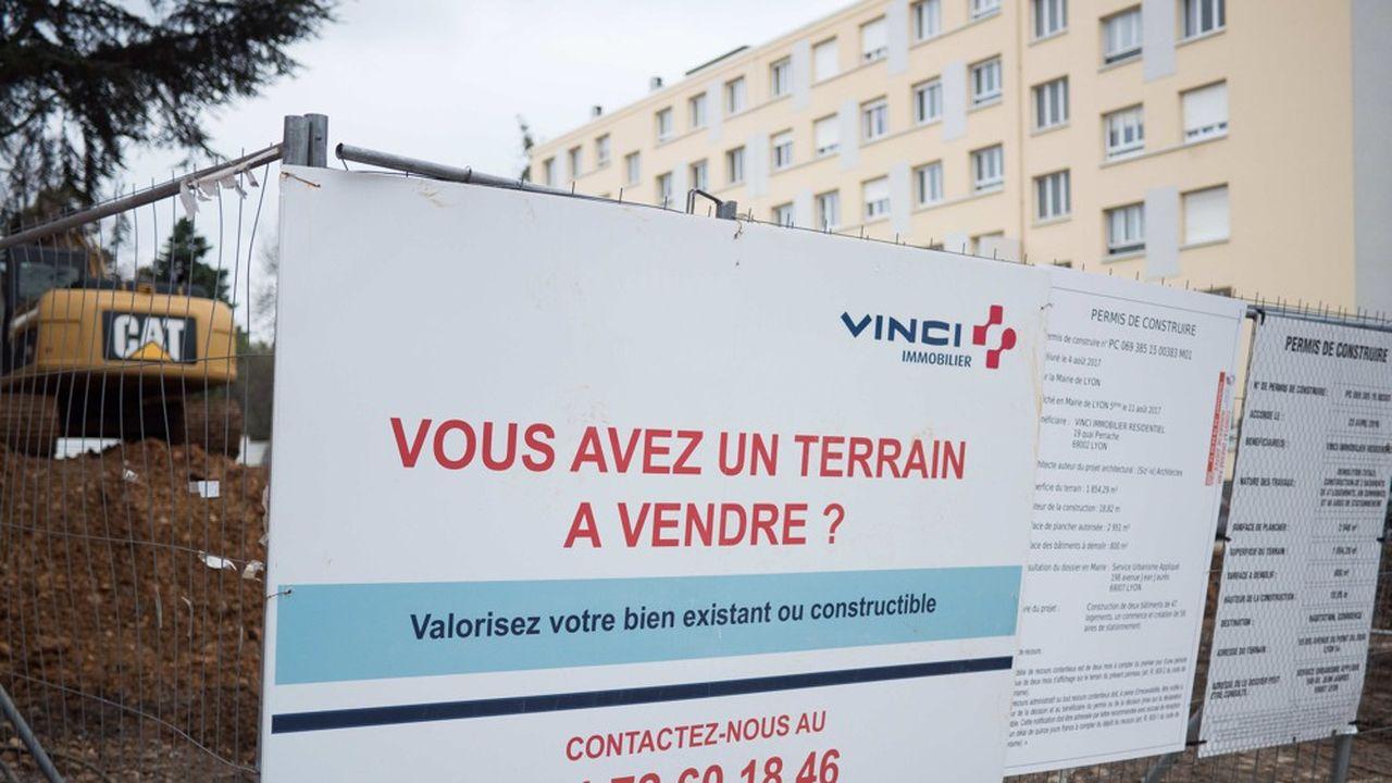 Dans les zones tendues comme l'Ile-de-France ou la Provence-Alpes-Côte d'Azur, le tarif du terrain peut représenter plus de 50% du prix d'un logement neuf.