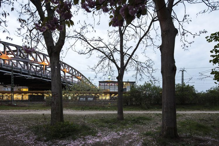 Le Bösebrücke : c'est là que le rideau de fer est véritablement tombé, le 9novembre 1989. Les photos illustrant cet article sont extraites de la série «Berlin, Beyond The Wall, 1988-2019», de Patrick Tourneboeuf, exposée jusqu'au 21décembre à la Galerie Folia à Paris, dans le cadre du Festival photo Saint-Germain, et à la Berlin Art Week jusqu'au 6décembre.