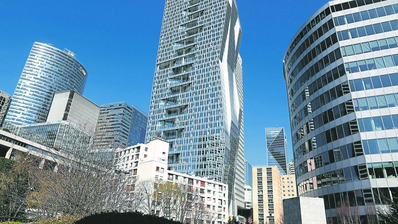 La Tour de bureaux «Majunga» à La Defense (92) a été achetée cette année 850millions d'euros par Mirae Asset Daewoo investisseur Sud coréen.