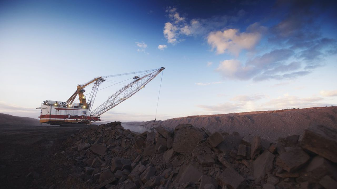 Un groupe d'actionnaires exhorte le leader mondial des mines à suspendre ses relations avec les lobbies «pro-charbon».
