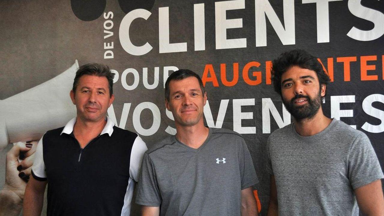De droite à gauche : Tom Brami, Laurent Abisset et Olivier Mouillet, les trois cofondateurs de Net Reviews.