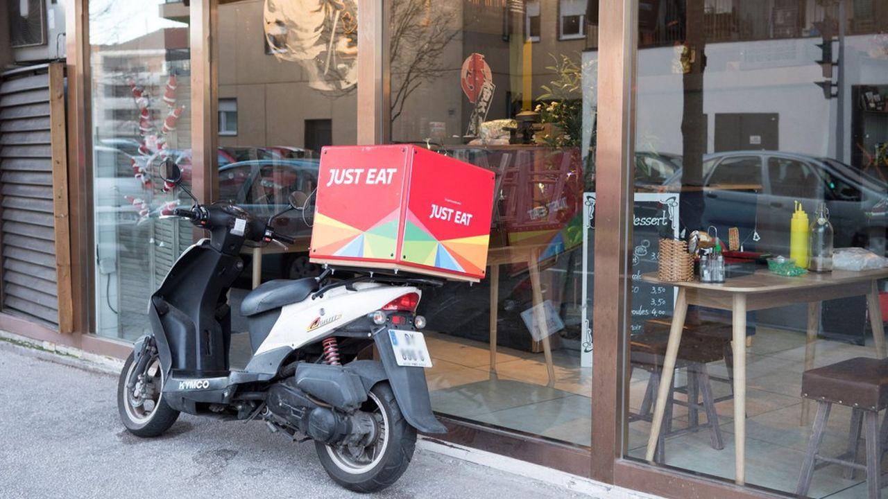 L'ouverture des hostilités autour de Just Eat illustre les enjeux d'un secteur ultra-concurrentiel où dominent des poids lourds comme Deliveroo et Uber Eats.