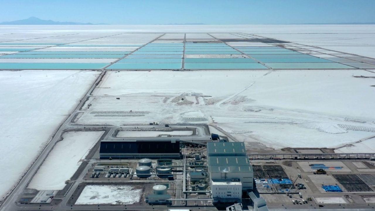 Un nouveau site d'extraction de lithium en Bolivie, dans le salar d'Uyuni, la plus grande étendue de sel du monde, en juin2019.