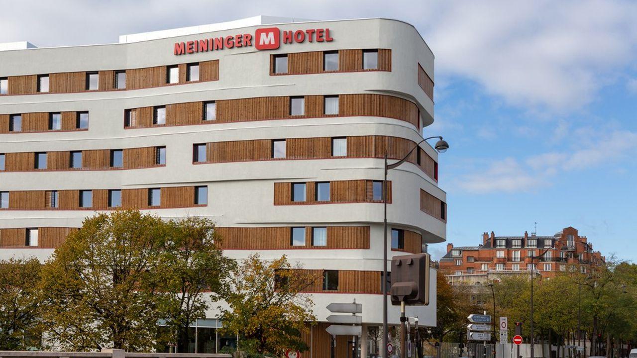 L'hôtel Meininger situé près de la Porte de Vincennes à Paris d'une première unité constitue la deuxième plus grosse unité du réseau avec une capacité de 946 lits pour 249 chambres. Il constitue aussi la première concrétisation dans l'Hexagone du partenariat noué par l'opérateur avec la foncière Covivio.