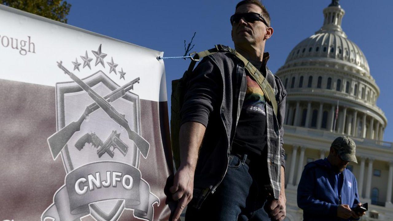 Un militant pro-armes lors d'une manifestation devant le Capitole, à Washington, en novembre2019.