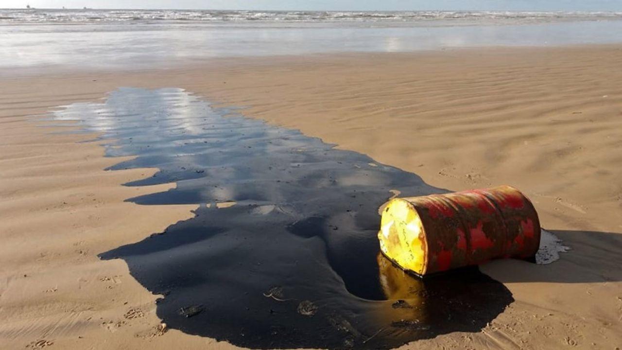 Des fragments de pétrole ont fait leur apparition ce week-end sur des plages de l'Espirito Santo, dans la région sud-est du Brésil, proche de Rio.