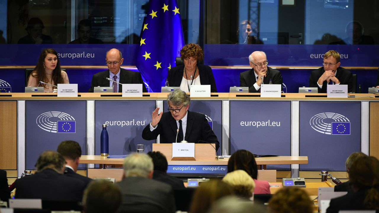 Pendant trois heures, le candidat français a répondu aux questions des eurodéputés.