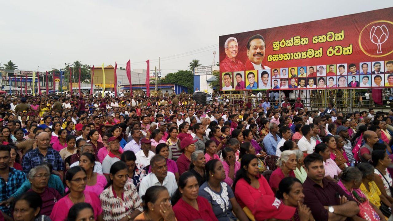 Les supporters du Sri Lanka Podujana Peramuna (SLPP), le parti deGotabaya Rajapakse, candidat à l'élection présidentielle du 16 novembre.