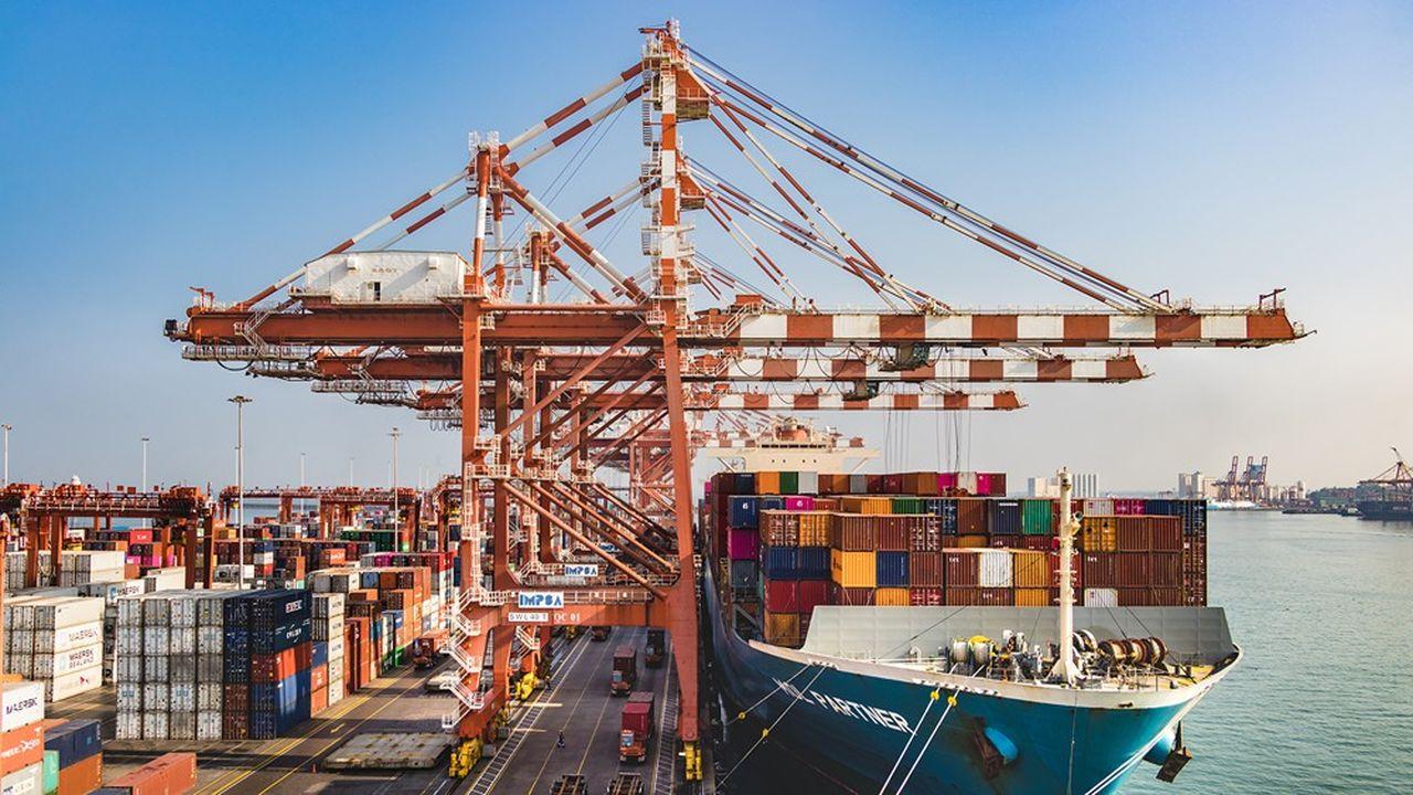 Au Sri Lanka, le programme des nouvelles Routes de la Soie lancé par le président chinois Xi Jinping est à l'oeuvre: le projet du «Colombo Financial District» ou «Port City», une véritable ville, représente 1,4milliard de dollars, une somme qui en fait le plus important investissement direct étranger dans le pays.