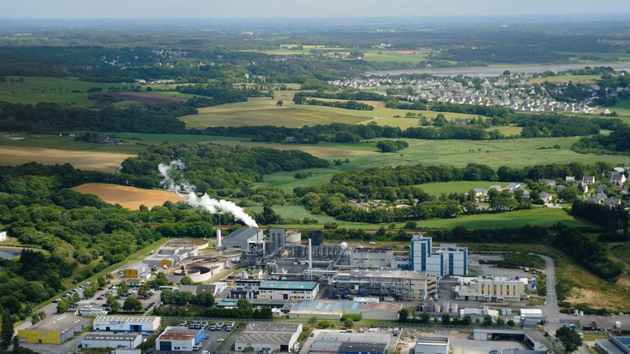 La direction de Guerbet, à Lanester, est en contact régulier avec les associations de riverains, la Dreal de Bretagne, la sous-préfecture de Lorient, la préfecture du Morbihan, la ville de Lanester, et les pompiers.