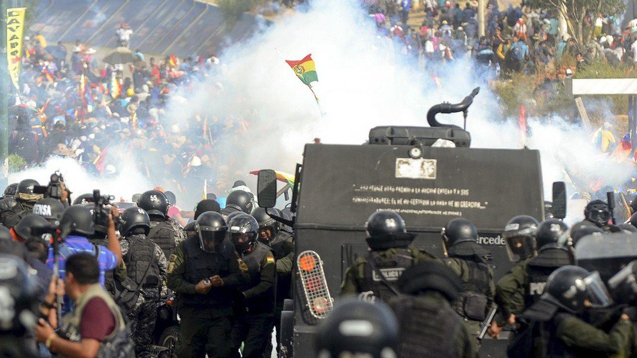 Au total, au moins 23 partisans d'Evo Morales ont été tués depuis fin octobre lors d'affrontements entre les forces de l'ordre.