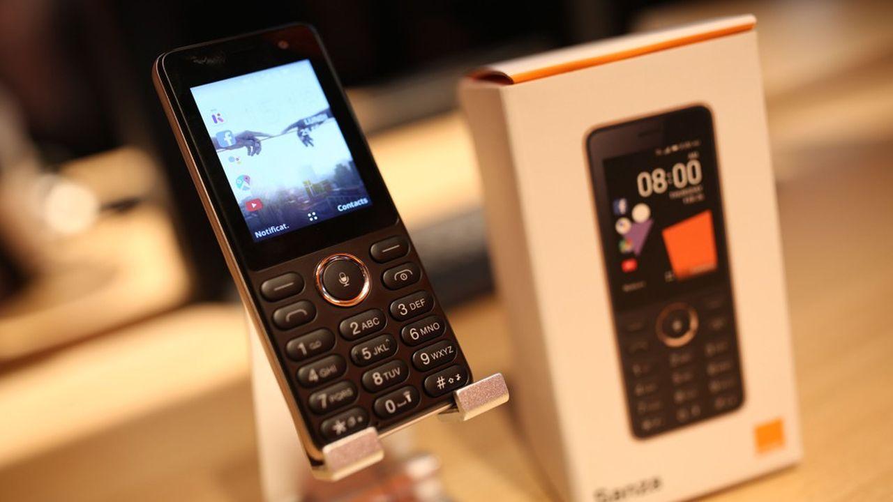 Orange a lancé le Sanza cette année, un téléphone basique à 20dollars pouvant accéder à la 3G.
