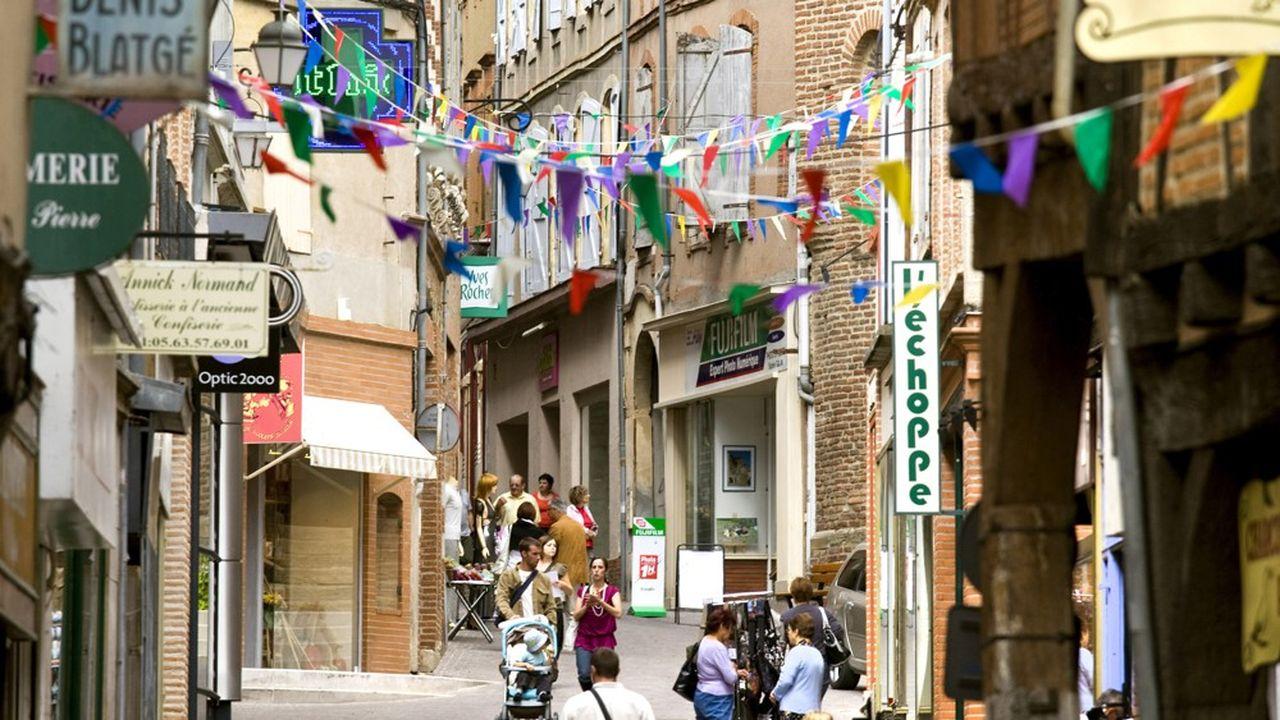 La ville bénéficie d'un essor démographique important grâce à l'installation de familles qui travaillent dans la métropole toulousaine.